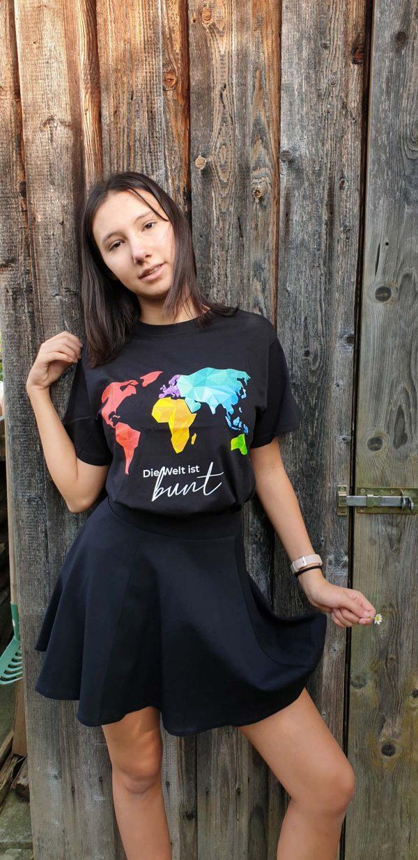 t-shirt-die-welt-ist-bunt-leuchtend-model